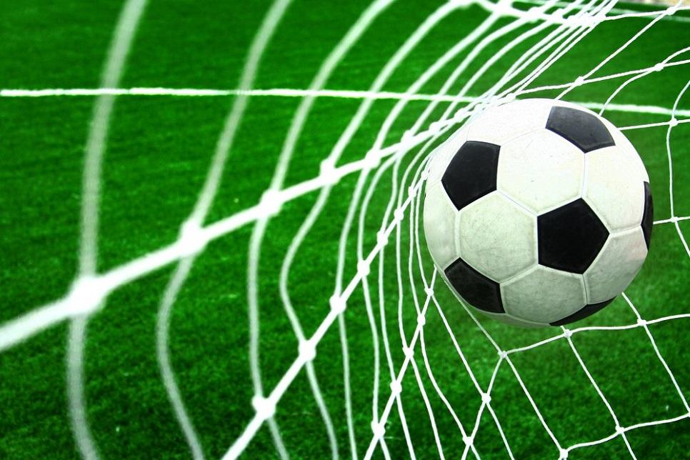 Γήπεδα ποδοσφαίρου με σύγχρονους τάπητες!!